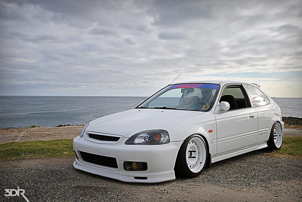 White On White R32taka