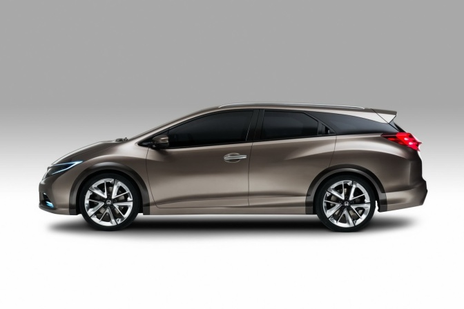 Civic Wagon 2013 revealed
