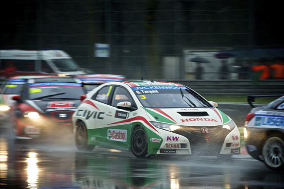 Honda Civic Takes First WTCC Podium at Monza