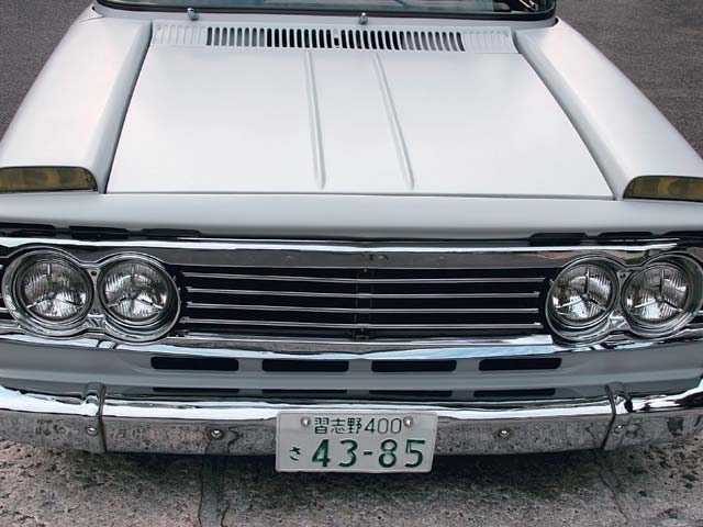 0605mt_08_z+1973_toyota_stout_rk101+front_end_view